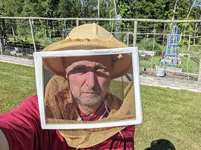 Square veil with a helmet image